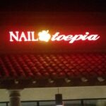 Channel letters Night Nail Toepia